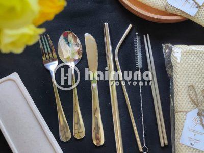 Souvenir pernikahan cutlery set