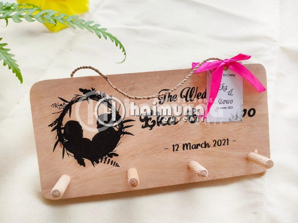 souvenir key holder