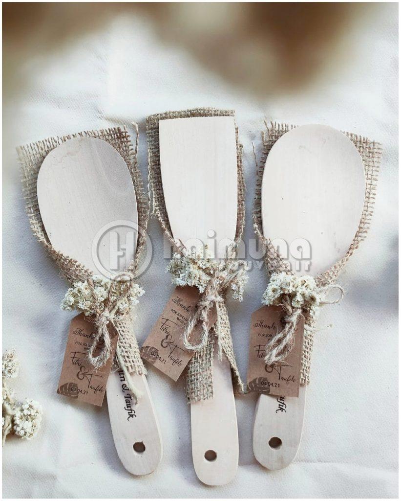 souvenir pernikahan centong