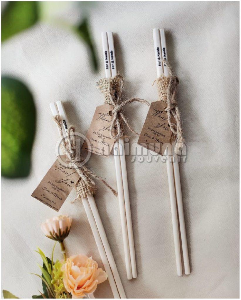 souvenir pernikahan sumpit